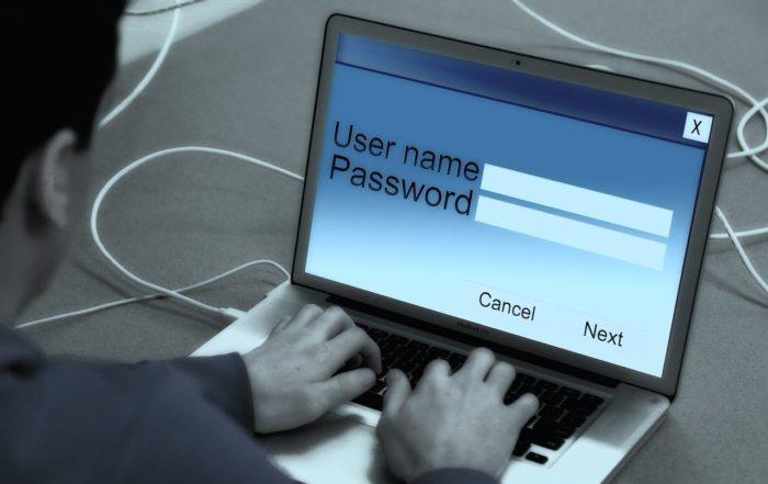 laptop-868816_geralt